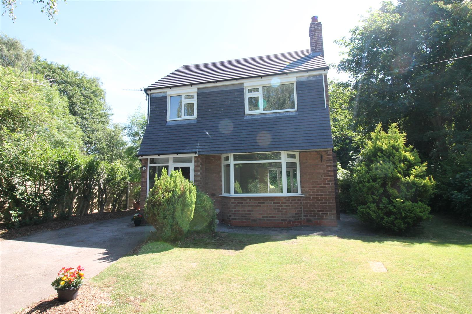 3 Bedroom House - Detached To Let